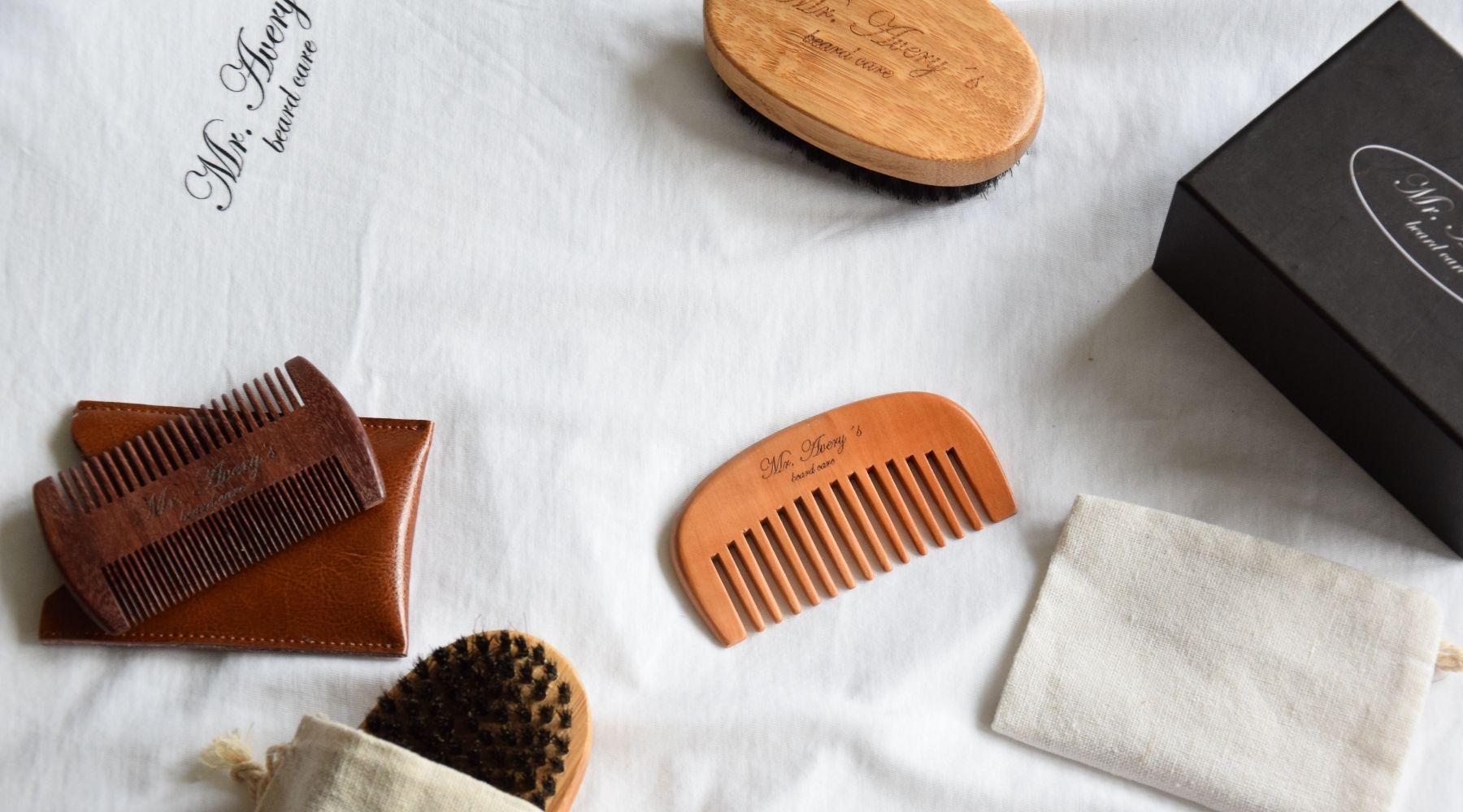 Mr-Averys Bartpflege Produkte, Bartkamm, Bartbürste
